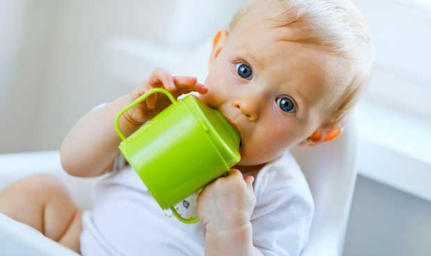 sippy-cup-toddler-teeth-speech-000045296868